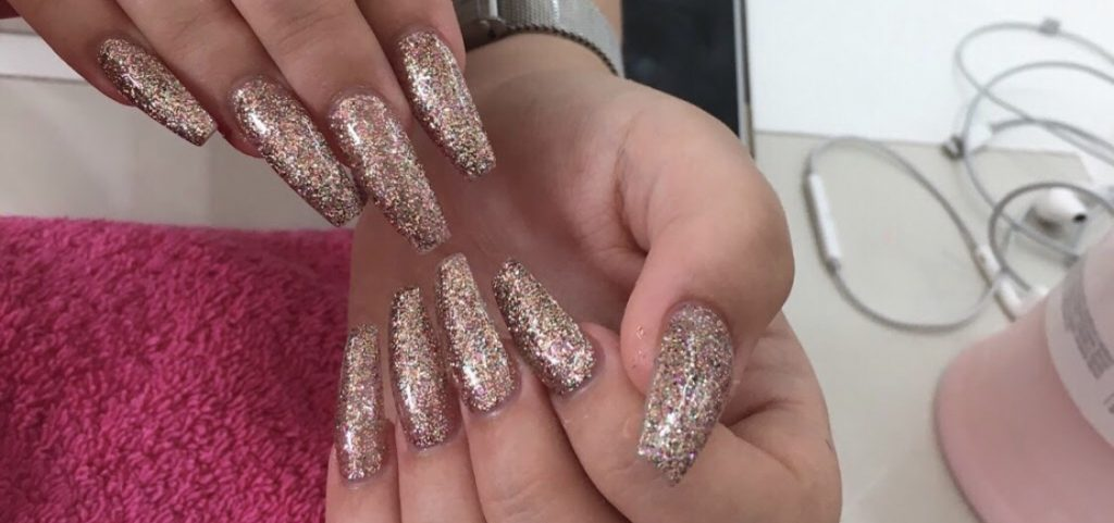 glittering nail extensions